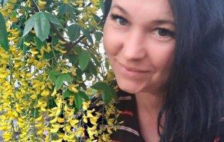 Щоб віддячити за народження діток, жінка створила сад неймовірної краси